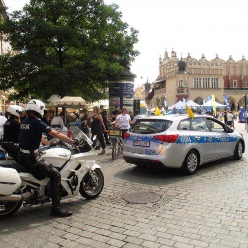 POLICJANCI NA UROCZYSTYCH OBCHODACH ŚWIĘTA WOJSKA POLSKIEGO